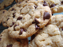 chocolate chip cookies resized 600